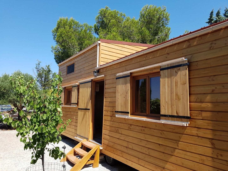 Tiny house plein air vue d'exterieur