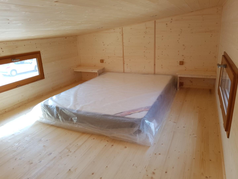 Tiny house plein air - lit mezzanine