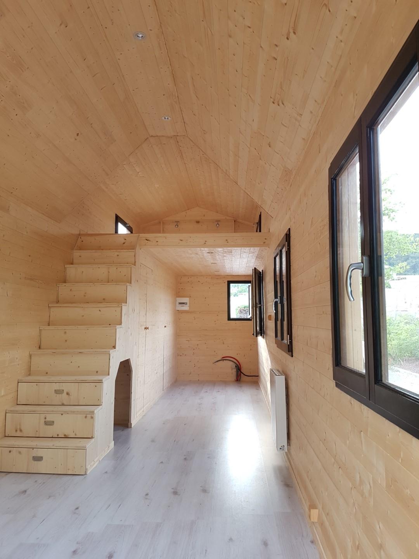Tiny house Agathoise - escalier intérieur